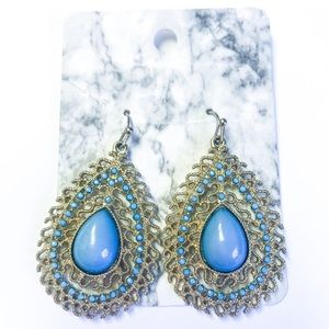 NWT Gold Rush Turquoise Chandelier Earrings